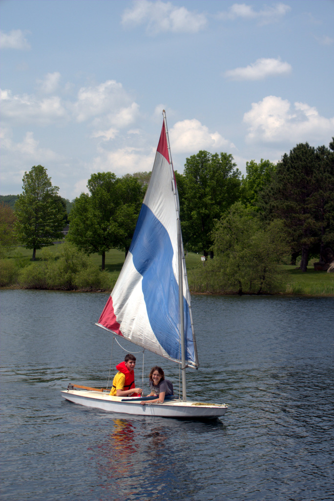 sailing-at-dutch-hollow-lake-wi